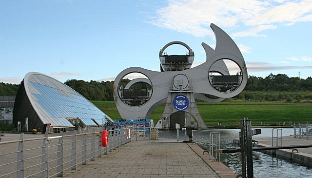 the odd shaped falkirk wheel halfway through a rotation